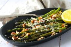 The 5 Best Expert Techniques on How to Grill Vegetables – Grilling Doctor Grilled Vegetables, Veggies, Tapas, Healthy Snacks, Healthy Eating, Fabulous Foods, I Foods, Food Inspiration, Salad Recipes