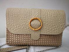 Mel C bag Handmade Crochet Shell Stitch, Crochet Tote, Crochet Handbags, Diy Crochet, Leather Bags Handmade, Handmade Bags, Diy Sac, Macrame Bag, Crochet Videos