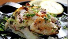 Merlucius la cuptor cu cartofi. Romanian Food, Good Food, Pork, Pizza, Chicken, Meat, Cooking, Recipes, Fine Dining