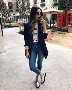 Top 5 Metallic Shoes Thrifts and Threads White tshirt with graphiccropped denimsilver laced shoesNavy long blazerbrown crossbodysunglasses Fall Casual Outfit 2016 Casual Fall Outfits, Spring Outfits, Winter Outfits, Trendy Outfits, Dress Casual, Casual Fridays, Blazer Outfits Fall, Blue Blazer Outfit, Everyday Casual Outfits
