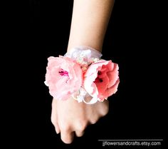 Poppy Wrist Corsage  FOR PAPER COLOR CHART, PLEASE CONTACT ME.  -------- *** IF YOU WOULD LIKE TO PURCHASE MORE OF THESE FLOWERS OR THESE