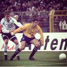 #flashbackfriday ! 27.11.99 VfL Wolfsburg - Hertha BSC 2:3! Nach einem 0:2-Rückstand drehten die Jungs das Ding noch um - und das innerhalb von 8 Minuten! Torschützen damals: Preetz Wosz und Michalke  #goodmemories #wobbsc #match #hahohe #herthabsc