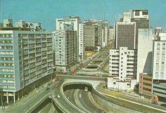 Década de 70 - Avenida Paulista com rua da Consolação.
