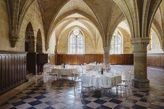 L'ancien réfectoire des convers est une salle de six travées voûtées d'ogives, et l'une des plus spacieuses de l'abbaye. © Jérôme Galland #Royaumont #abbaye #événement #event #séminaire
