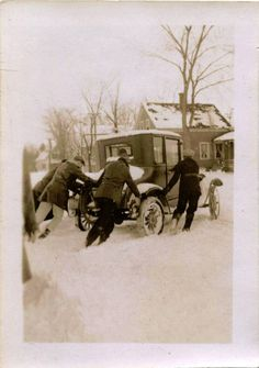 Model T Ford Forum: Snow, should have put the chains on-Photo