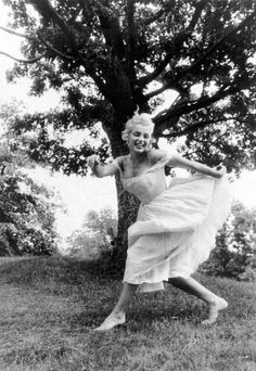 marilyn monroe photographed by sam shaw, september 1957