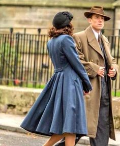 Backside of the wonderful blue coat. Totally want to have it!