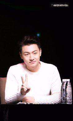(6) Hashtag #Wangqing auf Twitter
