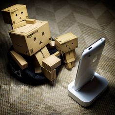 "Actually I hate this Danbo having children. I should create new board ""Bad Stuff About Danbo"" instead Danbo, Miss Piggy, 7 11 Logo, Cardboard Robot, Box Robot, Amazon Box, Robots Characters, Cute Box, Little Bit"