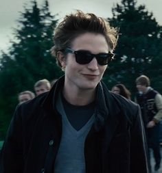 Robert Pattinson as edward cullen <3