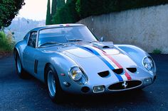 """330 GTO - Gran Turismo Omologato - Ferrari built only 39 250 GTOs 33 of the """"normal"""" cars, three with the four-litre 330 engine sometimes called the """"330 GTO"""" - recognizable by the large hump on the bonnet - and three """"Type 64"""" cars, with revised bodywork."""