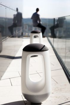 inspirezme:    Static sitting is not good for the skeletal strutcture of our body.If the seating urges the adjustment of the user, especially the back muscles then the entire body posture is promoted and improved.The design by Moritz Marder precisely aims for mixed movement and posture in an elegant manner. Im going to say that it rocks, literally.