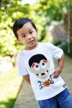 Halloween t-shirt for Duck =] Easy felt project
