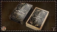 Spielkartenshop.com is happy to introduce you to the VOODOO Deck designed by Sam Hayles, printed by Cartamundi.