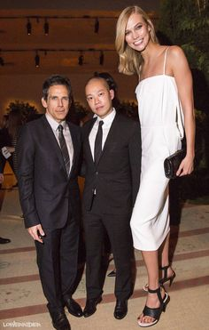 Tall Karlie Kloss and two little guys by lowerrider on DeviantArt Tall Girl Short Guy, Tall Guys, Short Girls, Giant People, Tall People, Long Tall Sally, Supermodels, Beautiful Women, Actresses