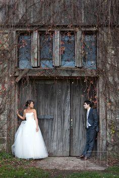 wedding photos Rustic + Elegant Candlelit Wedding from Christian Oth Studio Wedding Poses, Wedding Photoshoot, Wedding Day, Budget Wedding, Wedding Tips, Boho Wedding, Elegant Wedding, Timeless Wedding, Farm Wedding