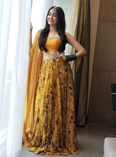 Yellow Crepe Silk Fabric Machine Work Printed Lehenga Source by zoyaclothing outfits indian Indian Designer Outfits, Designer Wedding Dresses, Bridal Dresses, Indian Attire, Indian Wear, Indian Style, Indian Ethnic, Indian Bridesmaids, Bridesmaid Ideas