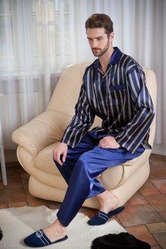 Mens Sleepwear, Smoking Jacket, Barefoot Men, Satin Pajamas, Boys Pajamas, Leather Slippers, Mens Slippers, Edgy Outfits, Mens Clothing Styles