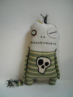 Zombie Dolls, Scary Dolls, Ugly Dolls, Voodoo Dolls, Sewing Toys, Sewing Crafts, Sewing Projects, Halloween Doll, Halloween Crafts