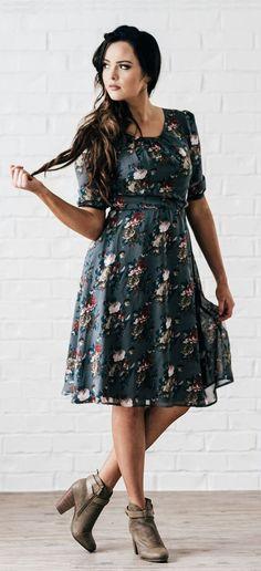 Easton Navy Floral Dress
