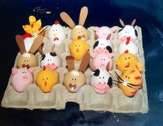 Animales de granja para fiesta infantil. Farm Crafts, Rock Crafts, Crafts For Kids, Easter Egg Crafts, Easter Eggs, Confetti Eggs, Wedding Cross Stitch Patterns, Party Fiesta, Easter Egg Designs