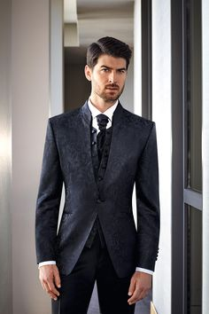 #PRESTIGE #prestigebywilvorst #wilvorst #highendfashion #Anzug #suit #italienischesDesign #italiendesign #exklusiv #hochwertig #Trend #wedtime #hochzeitsliebe #hochzeitsanzug #ootd #suitoftheday