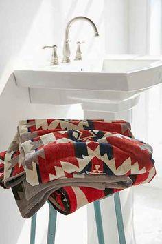 Pendleton Mountain Majesty Towel