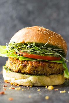 Tired of reading quinoa burger recipes? Welcome to this healthy Quinoa Burger Recipe. Red lentils, quinoa, a couple spices and you're good! Burger Recipes, Veggie Recipes, Vegetarian Recipes, Healthy Recipes, Healthy Meals, Healthy Food, Dinner Recipes, Healthy Dishes, Healthy Cooking