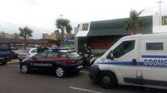 Lavoro Bari  Un commando di due persone armate di pistola hanno minacciato i vigilanti e si sono fatti consegnare l'incasso del fine settimana  #LavoroBari #offertelavoro #bari #Puglia Brindisi assalto al portavalori con l'incasso del McDonald's: rapinatori in fuga con 20mila euro