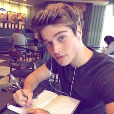 Imagines e Preferences Teen Wolf - Nolan Holloway PT 1 Froy Gutierrez, Beautiful Boys, Pretty Boys, Perfect Boy, Tumblr Boys, Boy Hairstyles, Hot Boys, Handsome Boys, Cute Guys