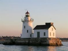 Discover Ohio's Lake Erie Lighthouses: Cleveland Harbor West Pierhead Lighthouse