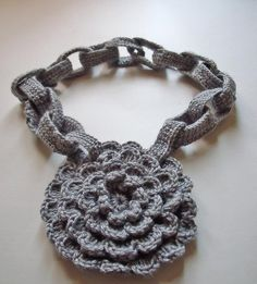 Crochet medallion link chain necklace by FiBreRomance