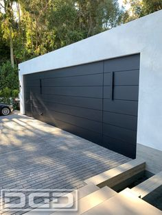 Check out our information site for lots more that is related to this exceptional glass garage door Contemporary Garage Doors, Modern Garage Doors, Garage Door Styles, Garage Door Design, Industrial Garage Door, Garage Door Panels, Custom Garage Doors, Glass Garage Door, Cedar Garage Door