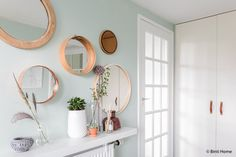 Round mirrors - sitting or curio space underneath Living Room Inspiration, Interior Inspiration, Hall Inspiration, Interior Design Living Room Warm, Hall Mirrors, Round Mirrors, Plans Architecture, Mid Century House, Inspired Homes