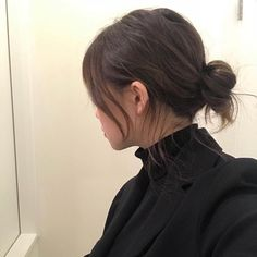 Shared by 노을 ☾. Find images and videos about girl, hair and korean on We Heart It - the app to get lost in what you love. Aesthetic Hair, About Hair, Style Vintage, Pretty Hairstyles, Hair Looks, Hair Pins, Hair Inspiration, Short Hair Styles, Hair Makeup