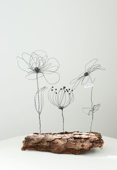 Filigranes Drahtblumen Ensemble zum Muttertag #diy #kunsthandwerk   majaskrearivwelt.blogspot.com Wire Art Sculpture, Wire Sculptures, Tree Sculpture, Copper Wire Crafts, Wire Trees, 3d Pen, Deco Floral, Metal Artwork, Types Of Flowers