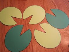 Lily Pads: Use as a backgroud for writing essays. Going to cut out notebook paper and mount it on these for the student's hopes and dreams. (Responsive Classroom) Then going to post in hall with their Name frog. Classroom Themes, Classroom Activities, Counting Activities, Activities For Kids, Lifecycle Of A Frog, Zoo Birthday, Responsive Classroom, Mo Willems, College Fun