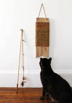 How-To: DIY Cat Toys #cats #DIY  I need to make the scratching post!!!!!!!