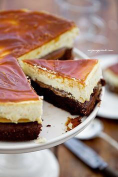 Caramel cheesecake  walnut brownie bottom