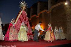 Fallas 2014: La patrona de la ciudad recibe el homenaje floral de los falleros benicarlandos.