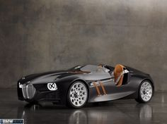 The BMW 328 Hommage, which was unveiled to mark the 75th birthday of the legendary BMW 328 racing car, offers a modern-day interpretation of the original's principles and character.