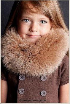 まるでお人形!ロシアの4歳モデル「クリスティーナ・ピネノーヴァ」ちゃんが完璧すぎるほどにメチャクチャかわいい!