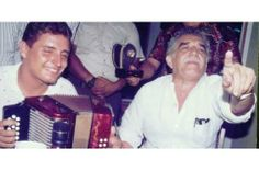 Gabriel García Márquez cantó vallenatos acompañado del acordeón del Rey Vallenato Festival de la Leyenda Vallenata 2014