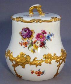 Antique Meissen porcelain hand painted and gilt cookie jar (form no. 15971 decoration no. 100199), c. 1850