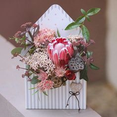 The Best Bouquet Ideas For Your Fall Wedding Flower Bouquet Diy, Bridal Bouquet Fall, Anemone Flower, Art Floral, Floral Design, Flower Boxes, Flower Cards, Roses Luxury, Box Roses