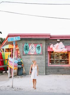 Our guide to Anna Maria Island Florida. A slice of oldschool Florida that offers far more than just sandy beaches and soaring temperatures. Anna Maria Island, Anna Maria Beach, Anna Maria Florida, Old Florida, Florida Travel, Florida Beaches, Bradenton Beach Florida, Florida Trips, Seaside Florida