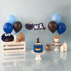 Saying I'm excited for today's Cookie Monster cake smash would be a huge understatement! And that cake by… Diy 1st Birthday Cake, Baby Boy 1st Birthday Party, Birthday Cookies, Monster Smash Cakes, Monster 1st Birthdays, Cookie Monster Party, 1st Birthday Photoshoot, Baby Boy Cakes, Birthday Photography