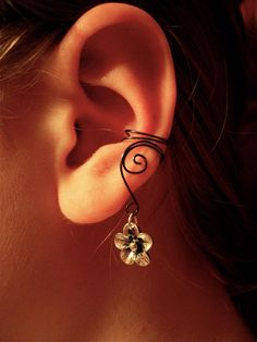 Pair of Hematite Ear Cuffs with Whimsical Five