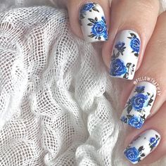 Close up for my previous blue roses experiment Roses were done with acrylic paint and a brush from Let me know if you'd like to see a video for these! Have a great Sunday everyone! Spring Nail Art, Spring Nails, Summer Nails, Nails Opi, Prom Nails, Stiletto Nails, Rose Nail Art, Floral Nail Art, Vintage Rose Nails