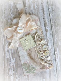 Idea for using DIY Shabby Chic Gift Tag info to make decor for house